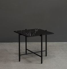 Side Table with black marble – Marble Table Designs Dark Furniture, Danish Furniture, Fine Furniture, Table And Chairs, Dining Table, Round Marble Table, Nordic Interior Design, Black Side Table, Scandinavian Home