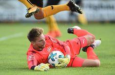 Ron-Robert Zieler neu im Trikot des VfB Stuttgart. Foto: dpa