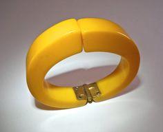 Hinged Yellow Bakelite Bracelet Cuff