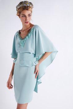 Cape Dress, Indian Designer Wear, African Fashion, Beautiful Dresses, Short Dresses, Kimono, Bell Sleeve Top, Cold Shoulder Dress, Gowns