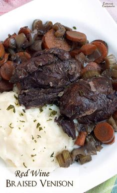 Slow cooked venison roast with red wine. Red wine braised venison is a comforting winter dinner recipe perfect for making tender flavorful deer meat. Venison Roast Crockpot, Slow Cooker Venison, Venison Stew, Venison Recipes, Roast Recipes, Slow Cooker Recipes, Crockpot Recipes, Cooking Recipes, Slow Cooking