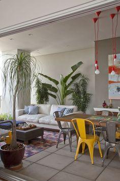 Apartamento colorido e integrado (Foto: Divulgação)