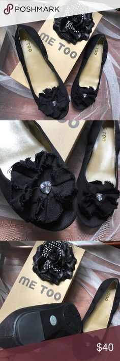 Me Too Black Open Toe Size 9.5 NIB New In Box Open Toe Black Flat shoes with flower details by Me Too size 9.5 me too Shoes
