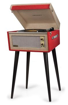 The bright red vinyl-wrapped Crosley Bermuda Turntable is a retro pin-up beauty. This turntable looks like an artifact from the and is sure. Radios, Usb Turntable, Retro, Bluetooth, Rock And Roll, Record Players, Cassette, Phonograph, Built In Speakers
