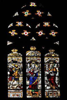 Vidriera de Santa Bárbara y Virgen con el Niño en la Catedral de Pamplona