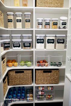 Kitchen Organization Pantry, Small Kitchen Storage, Pantry Storage, Kitchen Pantry, Diy Kitchen, Organization Hacks, Kitchen Decor, Organized Pantry, Awesome Kitchen