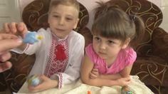 Варя вместе с Тёмой распаковывает подарочные наборы шоколадных яиц из серии Фиксики и Миньоны.  Если вам понравилось это видео, ставьте лайк и подписывайтесь на мой канал https://www.youtube.com/c/BabbiesShow
