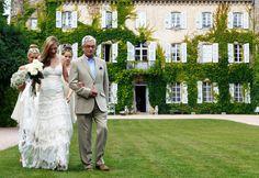 Victoria, an exceptional bride, in Alabama wedding dress by YolanCris. Wedding in Chateau Du Ludaix, France.