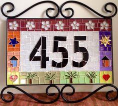 Mais dois clientes felizes com suas encomendas, ambos os números foram feitos com armação de ferro maciça decoradas com arabescos, uma em...