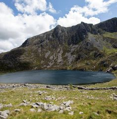 Mountain lake swimming in Snowdonia National Park Swim Safe, Snowdonia National Park, Water Safety, Open Water, Days Out, Small Towns, Southeast Asia, Great Photos, Dip