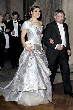 Princess Victoria of Seden Princess Victoria Of Sweden, Princess Estelle, Crown Princess Victoria, Princess Tiara, Royal Princess, Prince And Princess, Victoria Fashion, Victoria Style, Gala Dresses