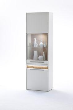 Vitrine Velvet II inklusive Fronteffekt LED-Beleuchtung Weiß Matt / Struktur Eiche Modernes Design gepaart mit dem richtigen Materialmix schaffen  ein einzigartiges Wohnerlebnis Passend zur...
