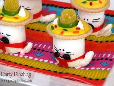 cinco de mayo ideas, cinco de mayo desserts, cinco de mayo for kids, fiesta ideas, cute cat marshmallows, sombrero cookies