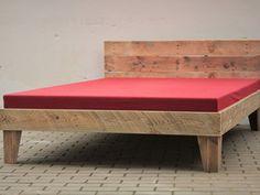 Bett aus Bauholz 140 cm Upcycling Vintage Altholz