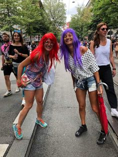 Photos of Street Parade Zurich 2019 - Colours of Unity. The biggest techno festival in Europe, Street Parade takes place once every Summer Techno Festival, Meet Friends, Crazy Outfits, Great Photos, Unity, Festivals, Wigs, Events, Colours