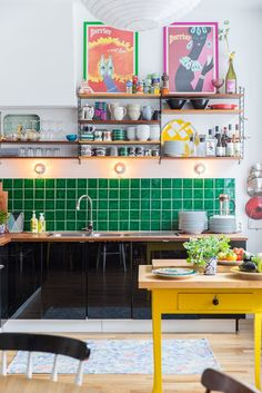 A Vibrant Fun Place To Live Colorful Modern Apartment interior design 5 - Add Modern To Your Life Retro Home Decor, Home Decor Kitchen, Cheap Home Decor, Home Kitchens, Kitchen Ideas, Kitchen Trends, Kitchen Hacks, Apartment Interior Design, Interior Design Kitchen