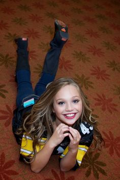 Maddie Ziegler for Dawn Biery Maddie Ziegler, Mackenzie Ziegler, Dance Moms Facts, Dance Moms Girls, Abby Lee, Mom Characters, Dance Moms Costumes, Mom Gallery, Dance Mums