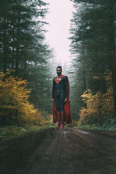 [self] finally nailed the self portrait levitate Superman Artwork, Superman Movies, Black Superman, Superman Logo, Val Zod, Superman Cosplay, Adventures Of Superman, Arte Dc Comics, Levitation Photography