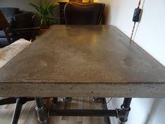 Beton. http://forum.heimwerker.de/forum/heimwerker-forum/heimwerken/1911-wie-glatte-betonoberflaeche/page5?1844-Wie-glatte-Betonoberflaeche-!=&highlight=beton