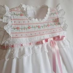 ideas embroidery patterns dress ideas for 2019 Girls Smocked Dresses, Little Dresses, Little Girl Dresses, Clothing Patterns, Dress Patterns, Smocking Patterns, Embroidery Patterns, Smock Dress, Embroidery Dress