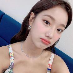 April Kpop, Idol, Pearl Earrings, Hoop Earrings, Just Girl Things, My Princess, Korean Girl Groups, Asian Beauty, Make Up