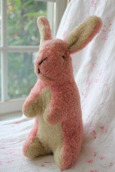 「イギリスアンティーク ピンクのウサギさん」ココン・フワット Coconfouato [アンティーク照明&アンティーク家具] シュタイフうさぎ シュタイフベア シュタイフ チーキー スーティー ティディーベア ナーサリー