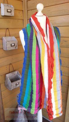 Großes buntes gestricktes Schal / Tuch aus LanaGrossa Cool Wool 6