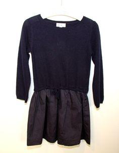 legging estampados, y sobre los vestidos, son varios los diseñadores que se inclinan por hacerlos cómodos y abrigaditos como los que combinan lana en el cuerpo y la falda de tela. ww.yosolito.es