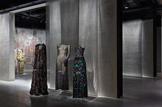 Visit Armani/Silos, the fashion art space in Milan dedicated to the Armani style. Discover the aesthetic philosophy of Giorgio Armani through his unique creations. Giorgio Armani, Tina Turner, Cate Blanchett, Sophia Loren, Tom Cruise, Visual Merchandising, Milan City, Expo Milano 2015, New Museum