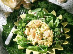 Krabbenrührei Rezept   EAT SMARTER Eat Smarter, Lettuce, Spinach, Vegetables, Food, Credenzas, Eggs, Food Portions, Food Food