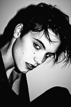 Boyishpercent girls with hard beauty and strong halfway style. Androgynous Models, Androgynous Look, Androgynous Fashion, Men Dress Up, A Writer's Life, Guys And Girls, Beautiful People, Short Hair Styles, Portrait