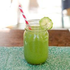 Cucumber & Peach Smoothie | A super refreshing smoothie using cucumber and peach flavored Greek yogurt.