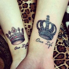 Democratic crown tattoo marks the our bodies of women and men of various existence and differ in shade and dimension. Name Tattoos For Moms, Mom Tattoos, Future Tattoos, Crown Tattoos, Tatoos, Couple Tattoo Heart, Couple Tattoos Love, Dope Tattoos For Women, Tattoos For Guys
