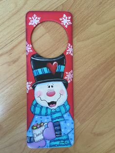 Picaporte Navidad Christmas Frosty Tole Painting, Diy Painting, Painting On Wood, Christmas Signs, Christmas 2015, Christmas Ornaments, Christmas Activities, Christmas Projects, Jingle All The Way