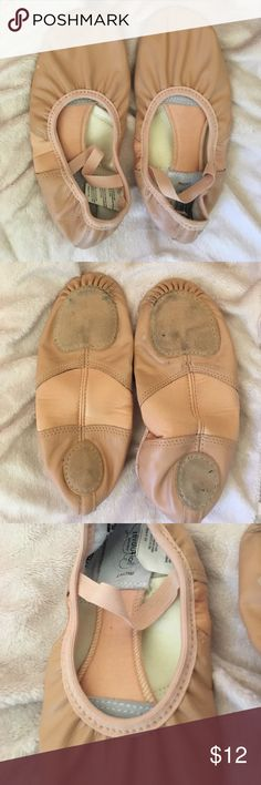 Revolution stretch ballet shoes size medium Measures 8.5 inches from heel to toe gently worn photos show minimal wear measure to make sure these will fit! Says size medium! revolution dancewear Shoes