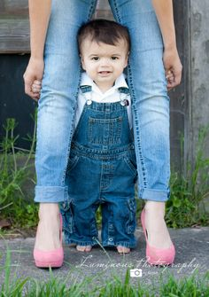 Photographing Toddlers and Small Children Tips Mother's Day Photos, Cute Photos, Baby Photos, Toddler Photography, Newborn Photography, Family Photography, Photography Portfolio, Photography Props, Boy Pictures