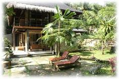 Private villa 5 minutes from central Ubud. 5 bedrooms plus den = sleeps up to 14. Swimming pool, wifi and staff of 5.