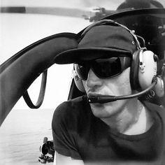 helicóptero Kelly Slater, Sunglasses, Athletes, Fashion, Moda, Fashion Styles, Sunnies, Shades, Fashion Illustrations