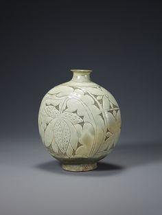 Buncheong Bottle, Joseon dynasty century, inches in height. Pottery Vase, Ceramic Pottery, Ceramic Art, Korean Pottery, Japanese Pottery, Moon Jar, Ceramics Monthly, Korean Art, Ceramic Design
