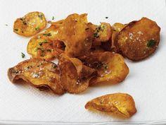 Süßkartoffelchips http://www.fuersie.de/kitchen-girls/rezepte/blog-post/rezept-fuer-suesskartoffelchips