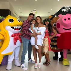 Thank you mommy and daddy for the best birthday party! Cute Family, Baby Family, Family Goals, Family Pictures, The Ace Family Youtube, Ace Family Wallpaper, Elle Instagram, Austin And Catherine, Mix Baby Girl