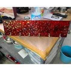#schlüsselbrett #deko #Schlüssel #inneneinrichtung Butcher Block Cutting Board, Design, Boards, Interior, Deko, Design Comics