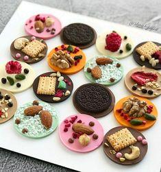 Homemade Chocolate Bars, Chocolate Loaf Cake, Chocolate Candy Recipes, Chocolate Pack, Artisan Chocolate, Chocolate Bomb, Chocolates, Elegant Desserts, Chocolate Strawberries