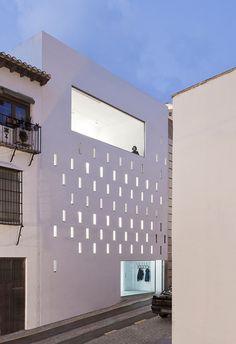 Elisa Valero Ramos designed this very nice space in Granada, Spain.-Studio 17