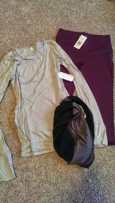 See the World in PINK: September 2014 Fabletics Work-out Wear Subscription Box Review