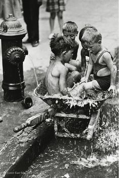 Kids from the Lower East Side - New York City 1937 street photography, black & white, kids, children Lower East Side, Vintage Pictures, Old Pictures, Old Photos, Black White Photos, Black And White Photography, Street Photography, Art Photography, A New York Minute