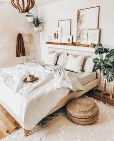 Boho Bedroom Decor, Room Ideas Bedroom, Home Bedroom, Bedroom Designs, Bohemian Decor, Small Room Bedroom, Bedroom Inspo, Bedroom Decorating Ideas, Warm Bedroom