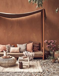 Hot Summer Terracota: Terracotta it's a warm, creamy, natural, rich, full-bodied color and it can complement many interior design styles. Color Terracota, Home Interior, Interior Design, Color Interior, Warm Colors, Home Design, Villa Design, Design Hotel, Design Art