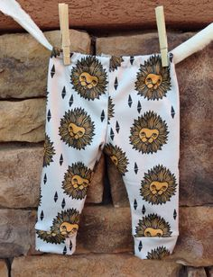 Lion Baby leggings infant leggings organic by Littlenuggetnoggins, $25.00