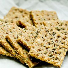Delicious raw, vegan, gluten free Rosemary Almond Crackers. A perfect addition to your healthy recipe collection. Studded with Rosemary and garlic, wow!